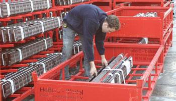 Stalen transportbok ten behoeve van raamdorpelelementen